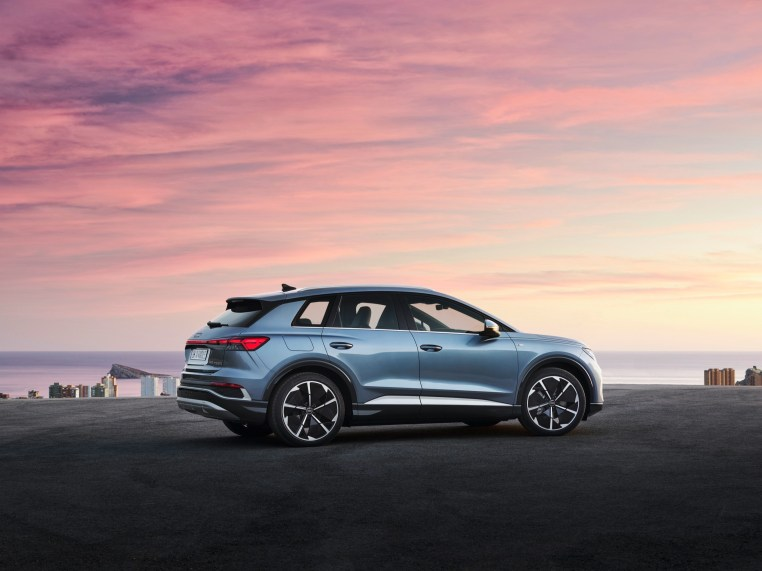 Audi Q4 e-tron 2022 exterior