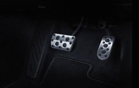 Toyota Fortuner GR-Sport 2022 interior