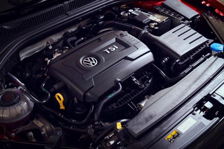 VW Jetta GLI 2022 motor