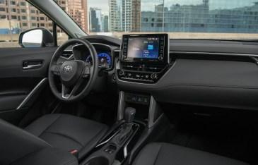 Toyota Corolla Cross estadounidense: interior