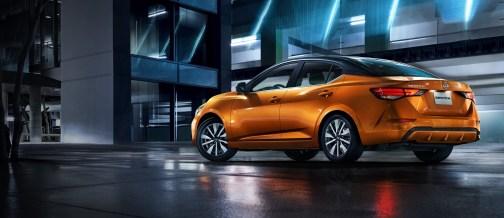 Nissan Sentra 2022: Exterior
