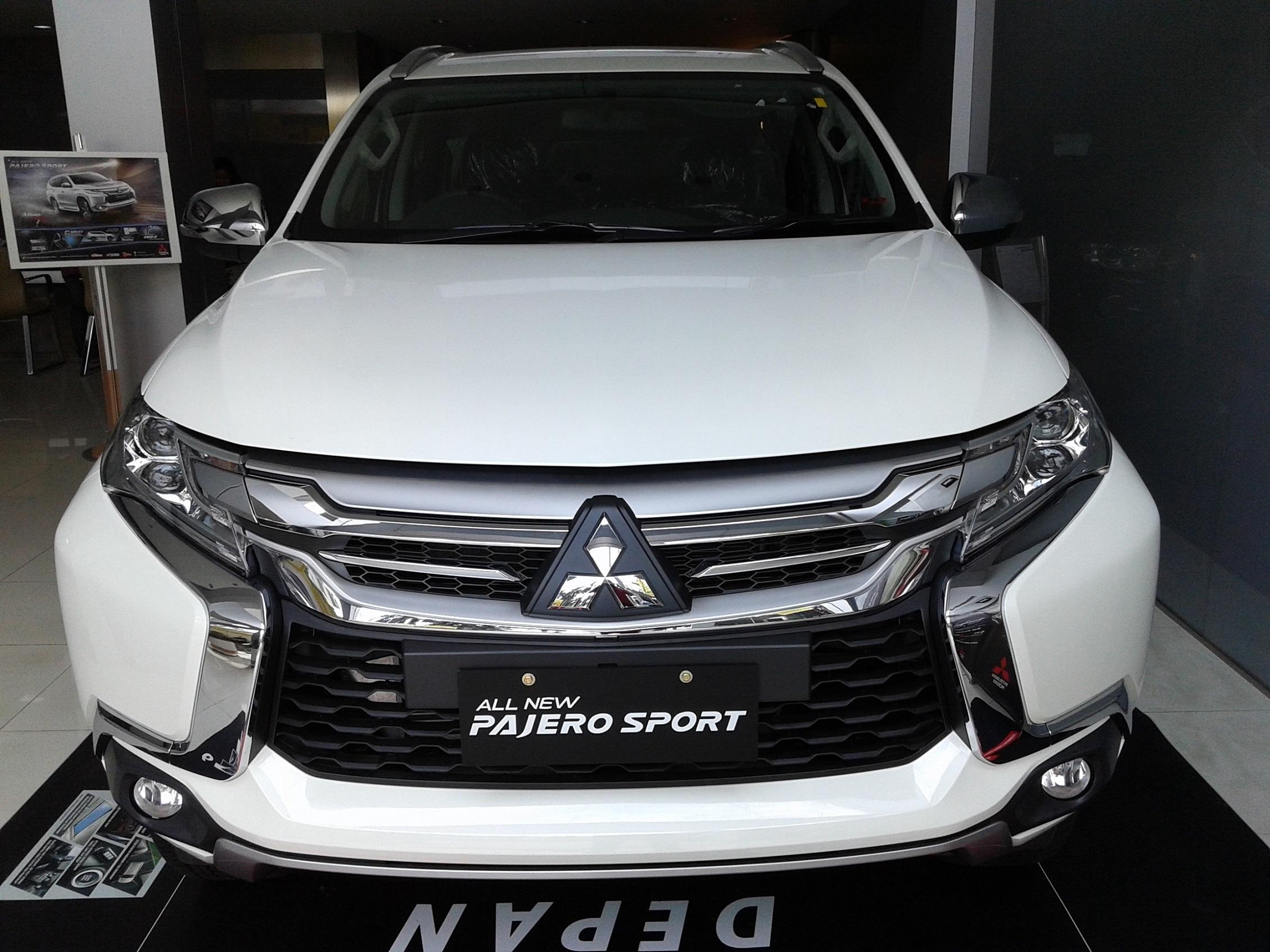 Pajero Sport EXCEED 4×2 Automatic