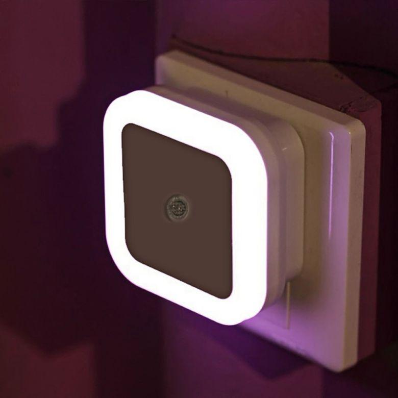 Свет Сенсор Управление ночник мини ЕС США Plug Новинка квадратный Спальня лампа для ребенка подарок Романтический красочные огни купить на AliExpress