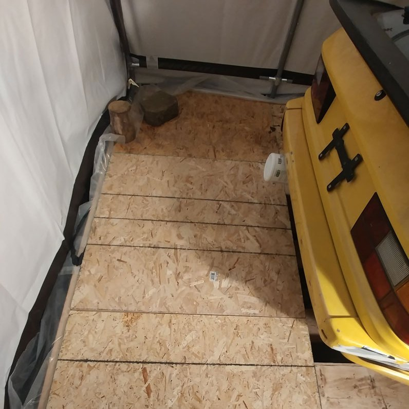 removable floor in budget garge