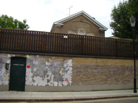 Queen frontman Freddie Mercury death house—Kensington