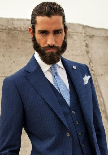 Manners-Stijlinspiratie-de-contrasterende-Suit-and-Beard-combinatie-48