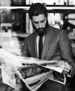 Manners-Stijlinspiratie-de-contrasterende-Suit-and-Beard-combinatie-8
