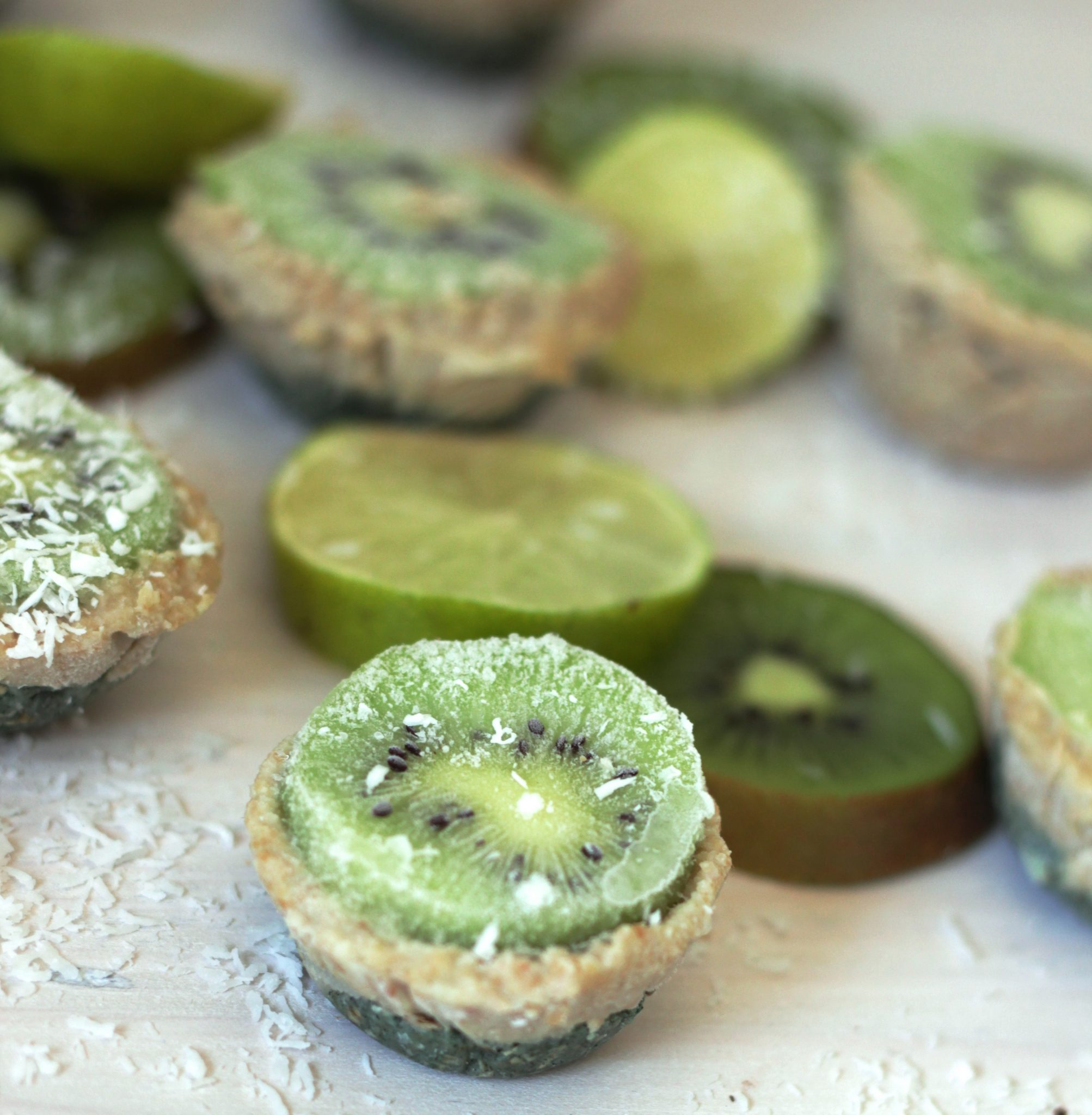 Rauwe Kiwi Spirulina Cheesecake
