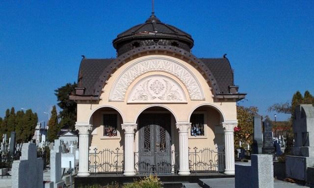 tiganie in cimitir21