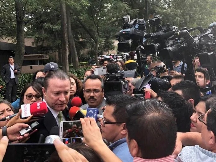 The governor of Sinaloa Quirino Ordaz Coppel attending to questions from the media. (Courtesy)