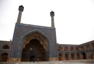 南面的伊萬門,有兩個喚拜塔