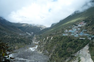 Thamo village above the river