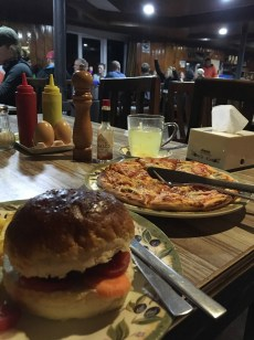 Veggie burger & pizza