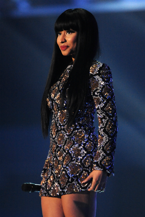 nicki minaj mtv ema´s 2