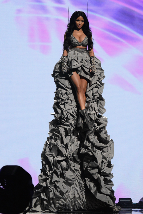 nicki minaj mtv ema´s 4