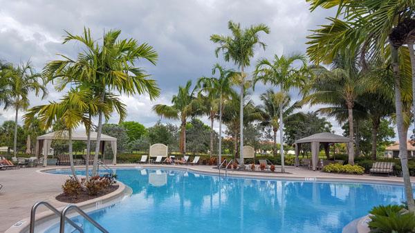 Marbella Lakes Resort-style Pool