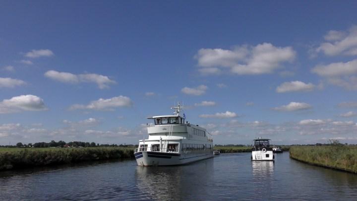 Wergea komen we tegen tijdens de vaartocht Rondje Noord-Nederland / van Grou naar Leeuwarden - De Canicula