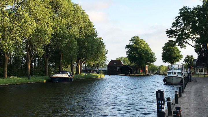 De loswal in Dieverbrug / Aanleggen in Dieverbrug - De Canicula