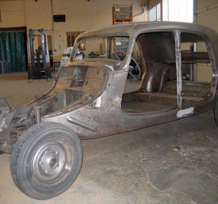 decapage et sablage de chassis citroën traction