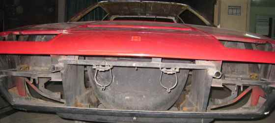 ferrari-308-gt4-1979-01 calandre avant décapage