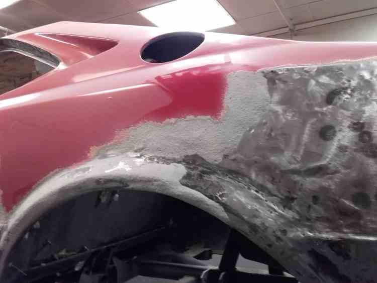 Ferrari cabossée, suite accident