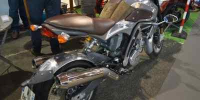 impressionnante moto au salon de poitiers