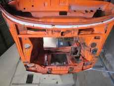 BMW 2002 (orange) 007