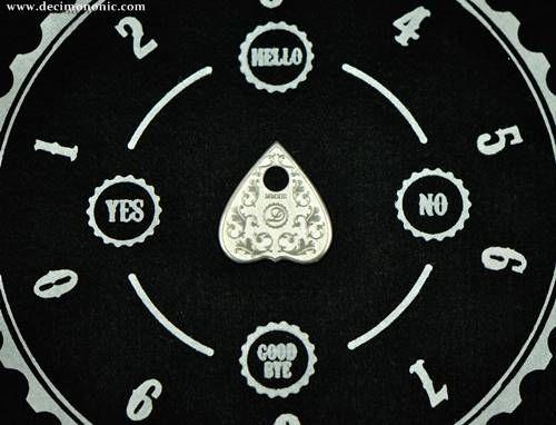 The Singular Talking Board by Decimononic - Vigilat Planchette
