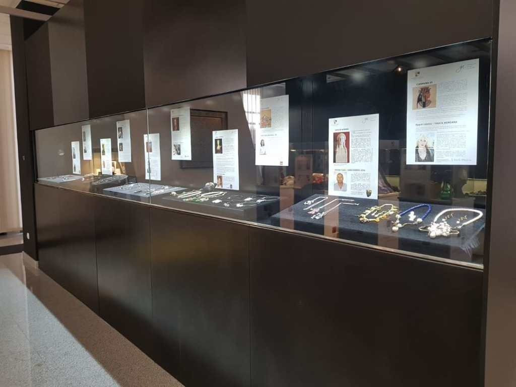 Women in -History - Signature Jewelry Exhibition - Museum of the Cordoba Jewelry Business Park