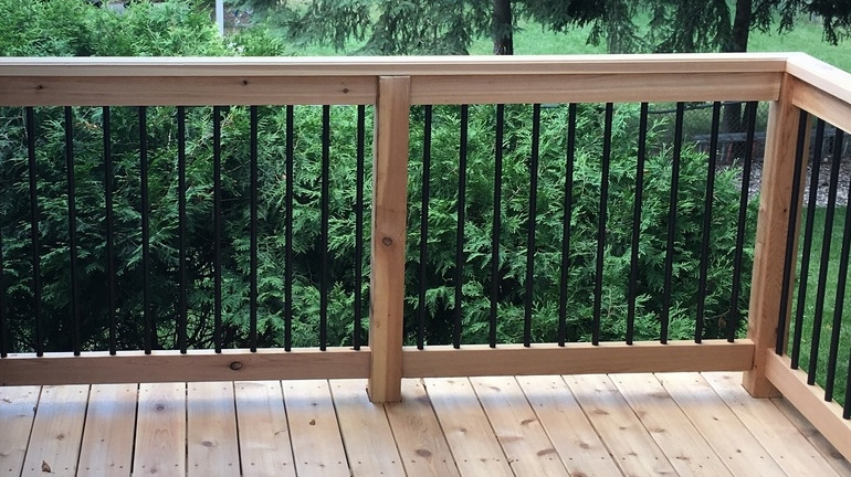 Balusters On Sale Clearance Discount Discontinued Overstock   Wood Baluster Deck Railing   Temporary   Surface Mount   Pre Built   Side Mounted   Hardwood