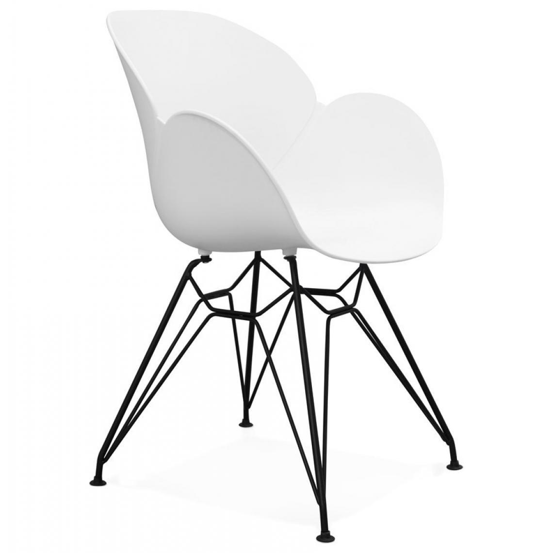 chaise design en plastique blanc paiute