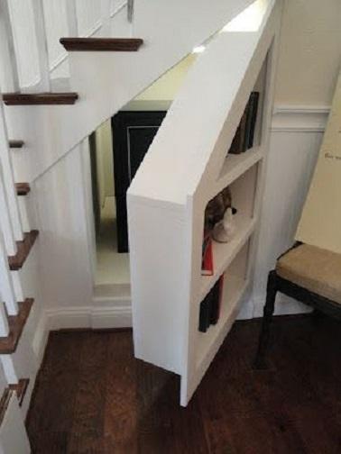 10 astuces rangement sous escalier