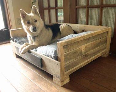 pour ce lit pour chien on a fabrique deux accoudoirs et un dossier avec les