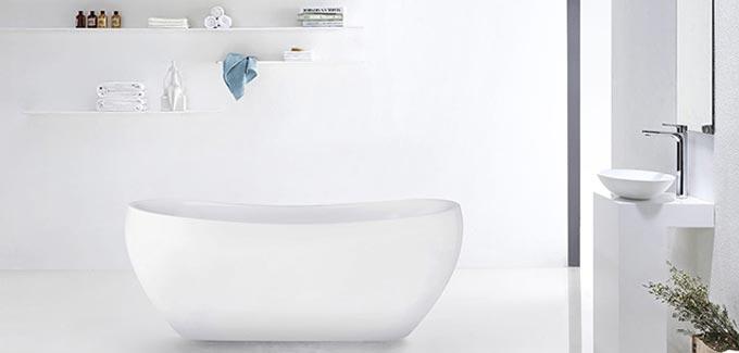 courbes dans la salle de bains