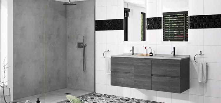 gris dans une salle de bains