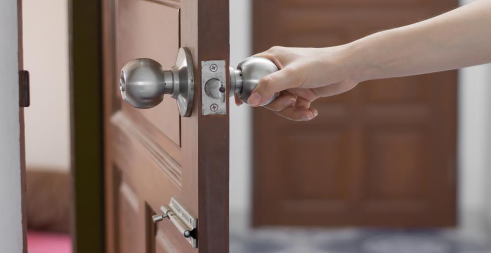 isolation phonique d une porte