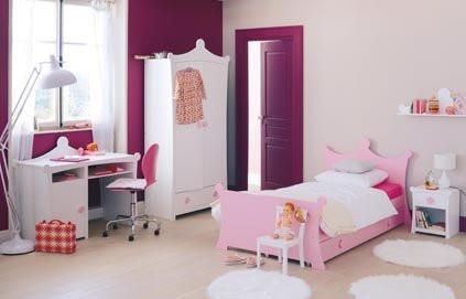 un lit de princesse pour la chambre de