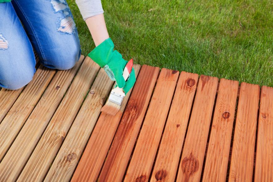 vernis bois pour proteger et decorer
