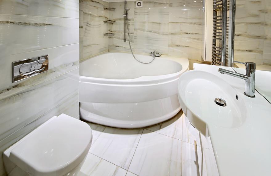 comment placer une baignoire d angle