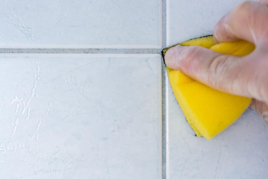 pour nettoyer les joints de carrelage