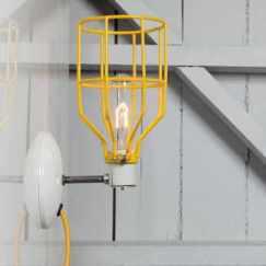 luminaire indus jaune Indlights via Nat-et-nature