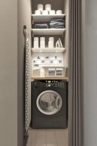 je-niche-mon-lave-linge-dans-un-couloir-cache-derriere-une-porte-rideau-plissee_5395047