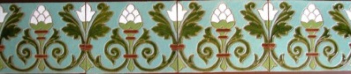 frise-en-ceramique-art-nouveau-pour-decor-de-facade-img_1564