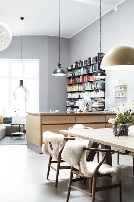 Des touches r tro et f minines pour un appartement moderne for Design appartement hamburg