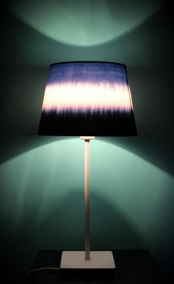 diy une lampe tie and dye decocrush. Black Bedroom Furniture Sets. Home Design Ideas
