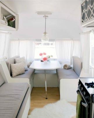 Idée déco : installer son bureau dans une caravane... | www.decocrush.fr