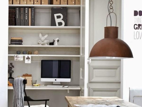 Visite déco : Un petit appartement scandinave très pratique…