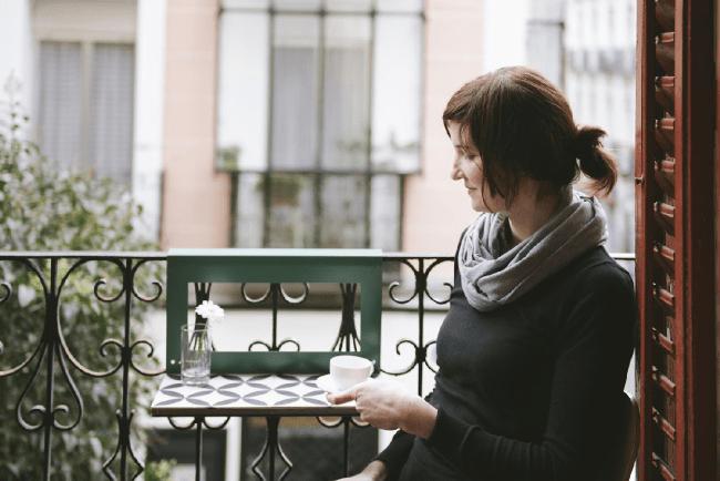 Crush | Manuela, la mini table colorée pour balcons ensoleillés !