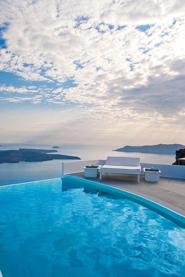 Voyages | Les 5 plus jolies piscines avec vue d'Europe - Chromata Up Style Hotel, Santorini