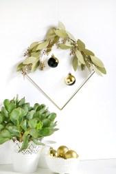 DIY : 12 couronnes de Noël modernes et minimalistes à fabriquer soi-même chez Curbly